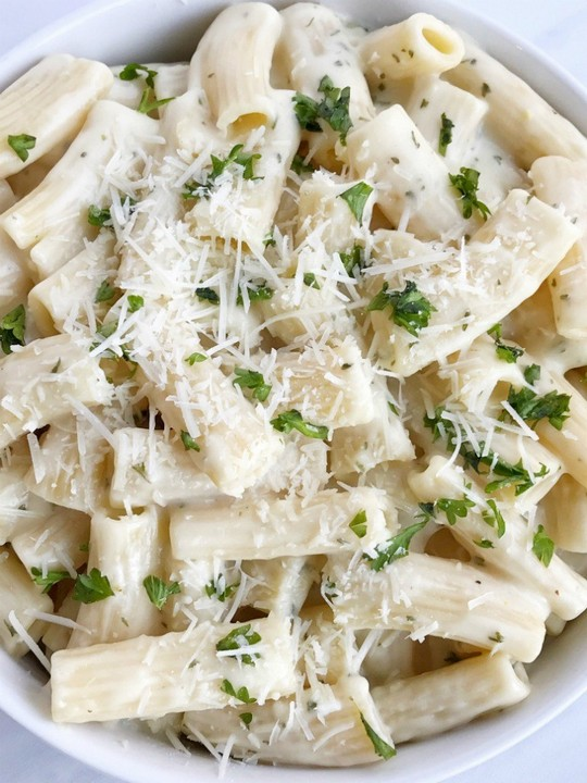 Easy Garlic Parmesan Pasta