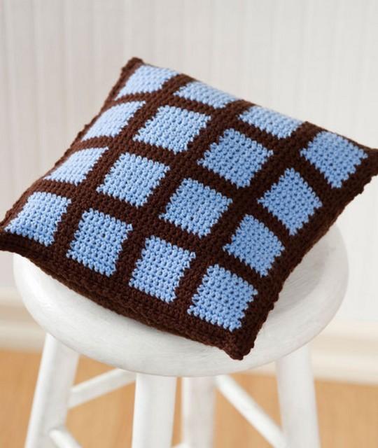 Crochet Two-Color Pillow