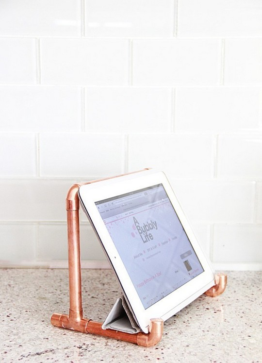 DIY Copper Pipe Ipad Holder