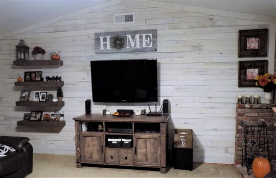 DIY Rustic Media Center